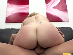 Midget babe Humping Chubby Cock